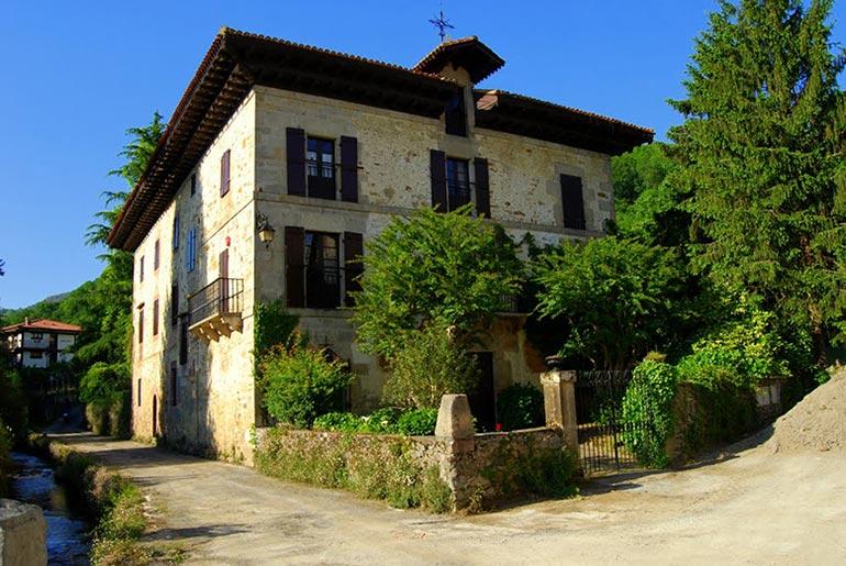 Itzea, la casa familiar de los baroja en vera de bidasoa
