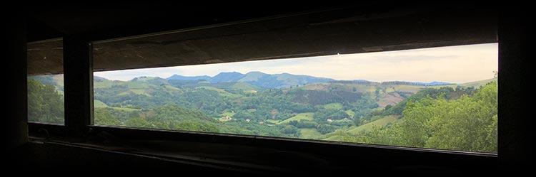 vistas del valle de baztán desde las habitaciones de la casa rural para grupos Landaburu Borda